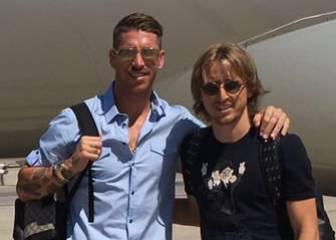 Ramos y Modric, rumbo a la concentración del Real Madrid