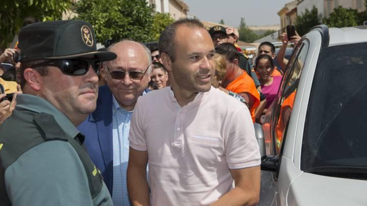 "Iniesta le desea ""la mayor suerte del mundo"" a Lopetegui"