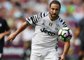 La Juventus gana en el debut de Higuaín y Dani Alves