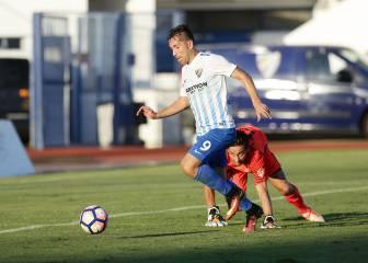 El Málaga golea al Almería y En Nesyri sigue de pichichi
