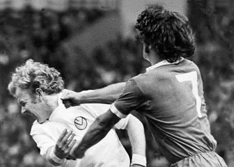 Una descomunal pelea entre Keegan y Billy Bremner (1974)