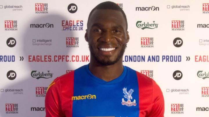 Benteke ficha por el Crystal Palace y cree que va al Burnley