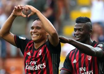 El Milán gana con hat-trick de Bacca, pinchan Nápoles e Inter