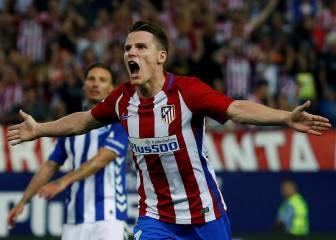 Gameiro, primer punta con gol en el debut oficial desde Forlán