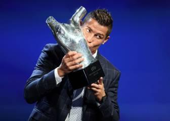 Cristiano recibe el premio al Mejor Jugador de Europa