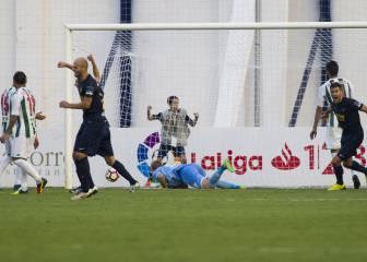 El Córdoba salva un punto en el 92' tras sufrir un gol olímpico
