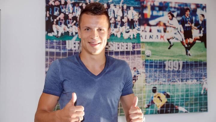Oficial: Konoplyanka ya es nuevo jugador del Schalke