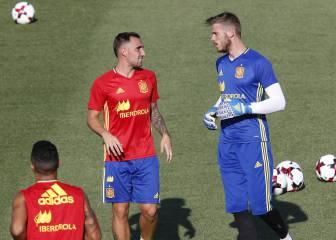 Los dorsales de España: De Gea, el 1 de Casillas; Alcácer, el 9...