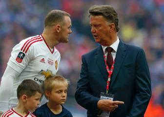 Rooney atiza a Van Gaal:
