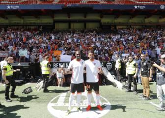 Locura: Garay y Mangala se presentan ante 8.000 personas