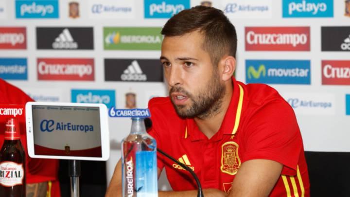 """Jordi Alba: """"Como mejor se defiende Costa es jugando"""""""