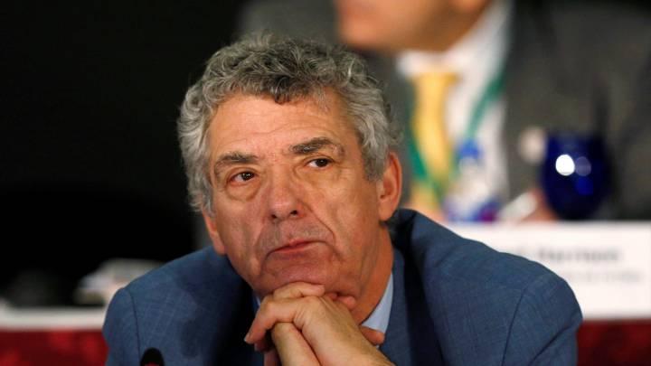 Villar recurre de nuevo a FIFA para que amenace al Gobierno