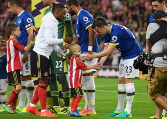 El Everton dona 236.000€ a un niño enfermo de cáncer