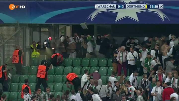 Ultras del Legia usan spray de pimienta contra los 'stewards'