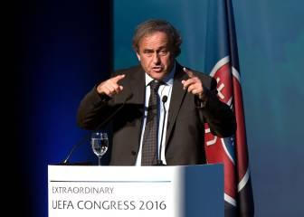 Platini e Infantino se niegan el saludo en el congreso UEFA