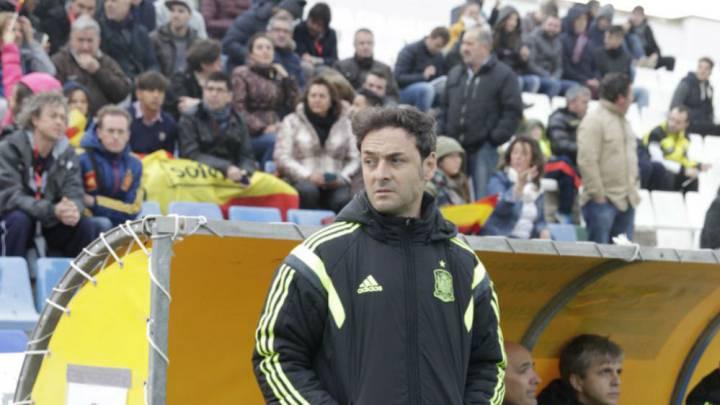 España arrolla a Irlanda del Norte en el debut