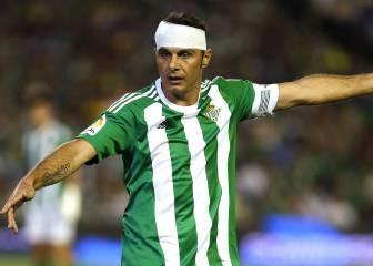 Joaquín da alas al Betis y el Málaga se queja del arbitraje