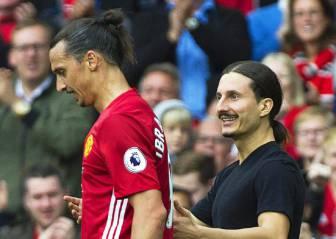 Ibrahimovic y su clon sobre el césped en Old Trafford