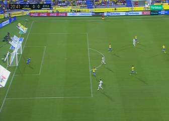 El Madrid reclamó penalti por mano pero era fuera del área
