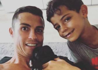Cristiano ya no está enfadado: posó con su hijo y su mascota