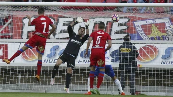 El Numancia remontó al Zaragoza en la segunda parte