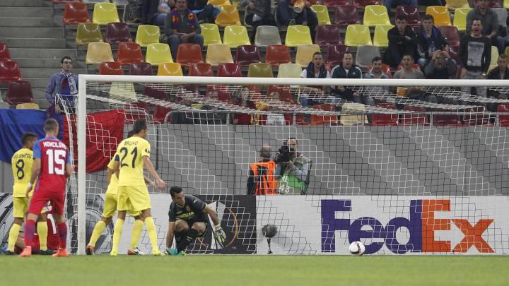 Andrés Fernández frena a un Villarreal desganado