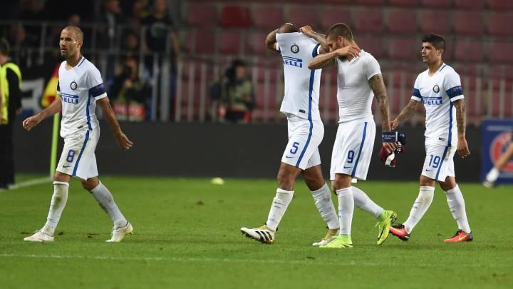 Hecatombe del Inter, el Schalke respira y Balotelli hace otro gol