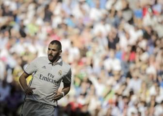 Benzema sólo tocó 5 balones en la primera parte ante el Eibar
