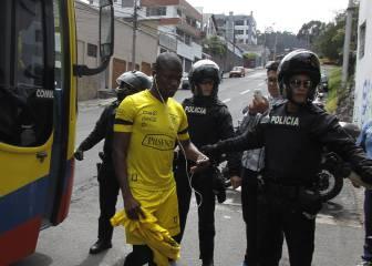 La policía intenta detener a Valencia mientras se entrena