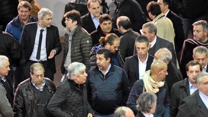 Revolución: la clase media se rebela contra la Superliga