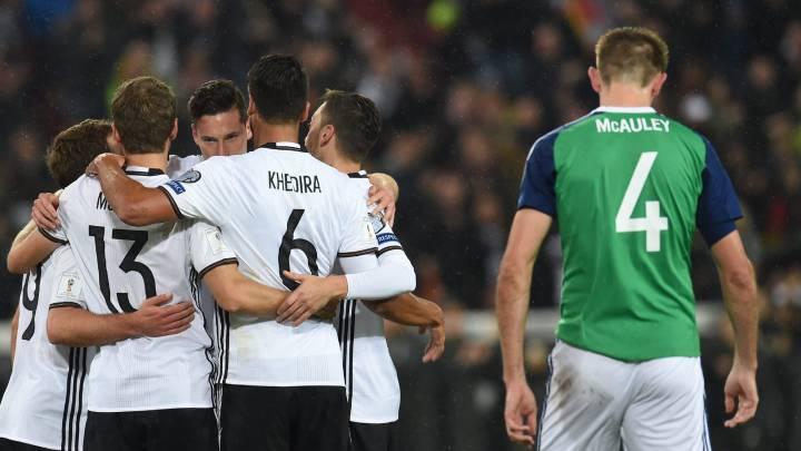 Kroos, Draxler y Khedira guían a Alemania al pleno de victorias