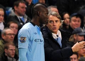 Mancini desea que Balotelli no acabe como el brasileño Adriano