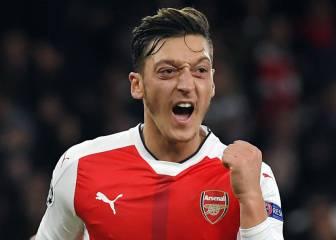En Inglaterra atacan al Arsenal y Özil: