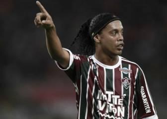 Ronaldinho tiene tres ofertas para volver a jugar al fútbol