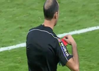 Álvarez Izquierdo sacó la roja por error a Sidnei y rectificó