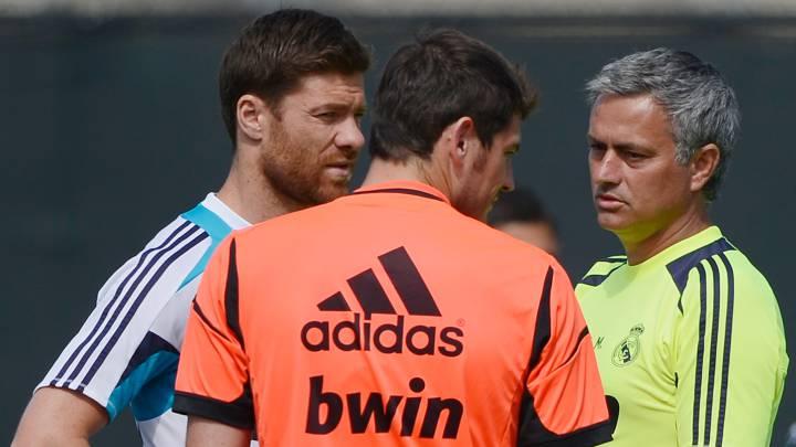 Xabi Alonso, Casillas y Mourinho.
