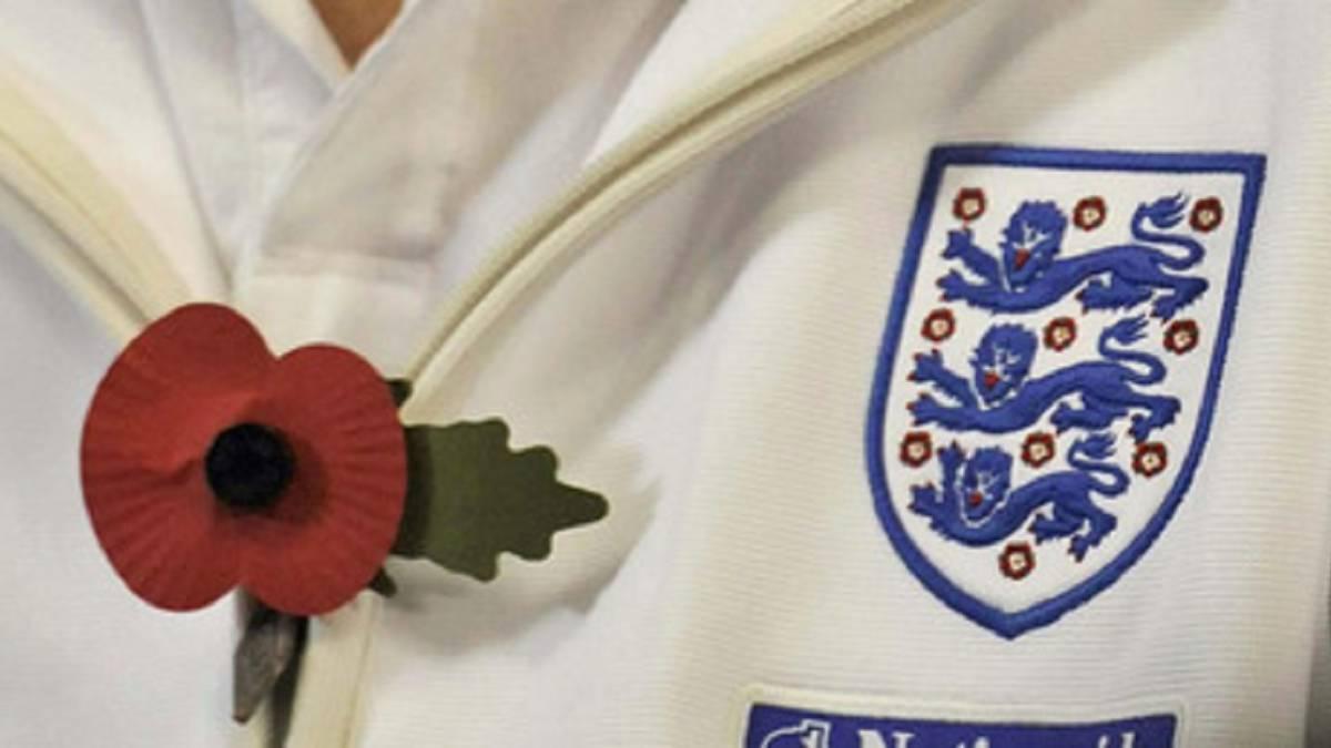 La FA y FIFA negocian la inclusión de una amapola en la camiseta de Inglaterra