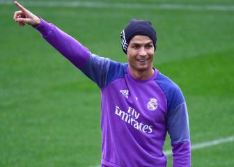 Cristiano Ronaldo could sign new contract on Monday