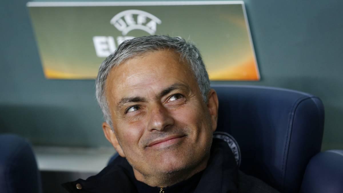 Mourinho gana la batalla y acaba con el topo del United