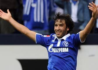 Raúl opta al mejor gol latino de la historia de la Bundesliga