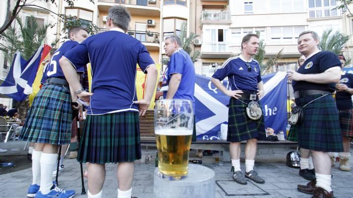 Los escoceses pasan de ir a Qatar 2022 si no se puede beber