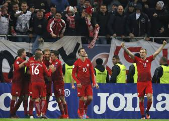 Polonia gana a Rumanía y se propulsa hacia el liderato