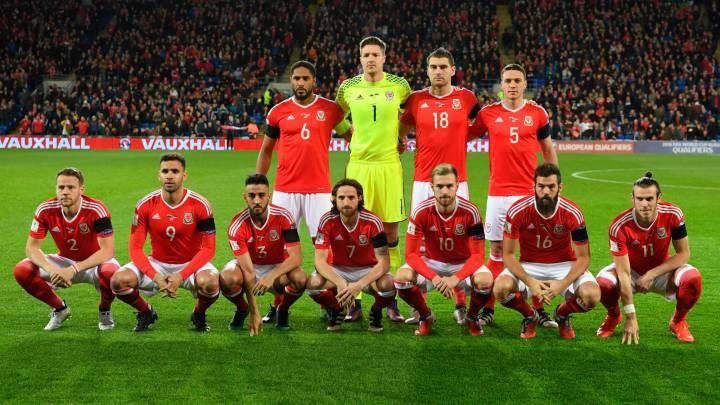 Gales sigue a lo suyo: nuevo posado estrafalario ante Serbia