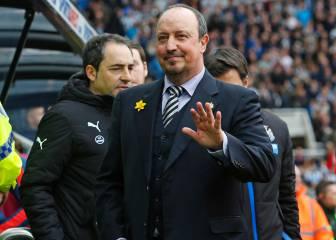 Así se comunican Benítez y Antía con los jugadores del Newcastle