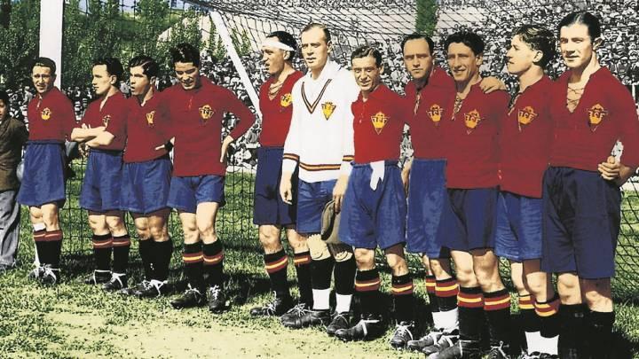 España posa en el Metropolitano antes de ganar a Inglaterra el 15 de mayo de 1929.