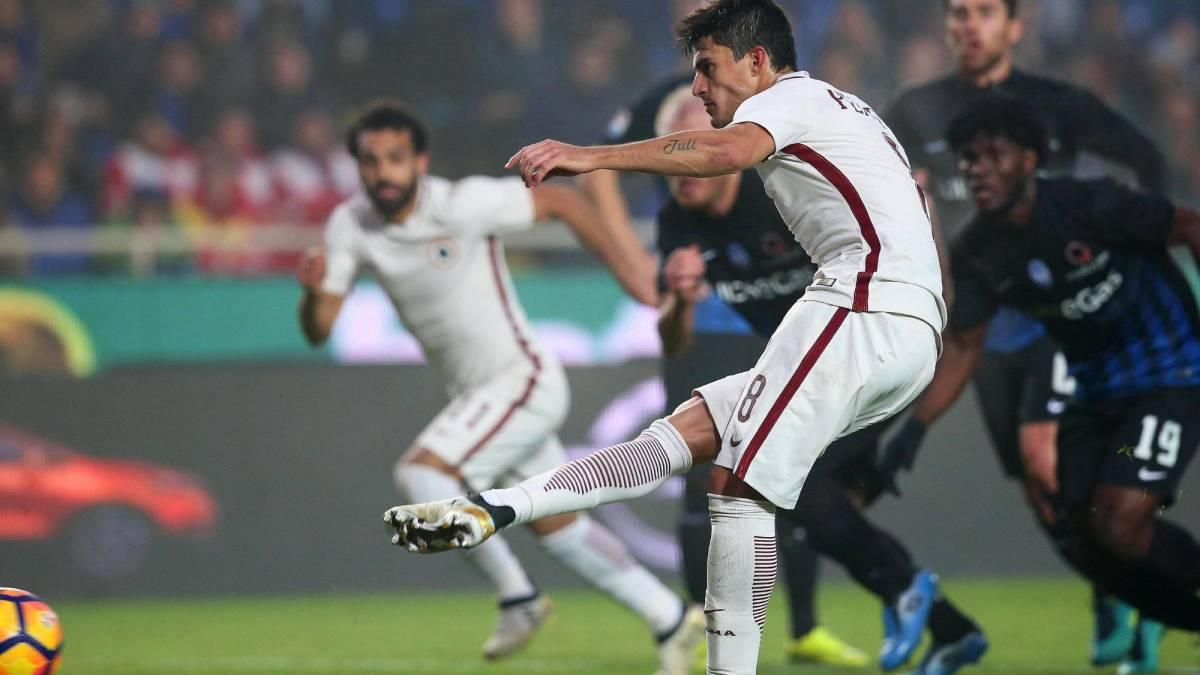 El Atalanta remonta en Bérgamo y el Roma se aleja de la Juventus