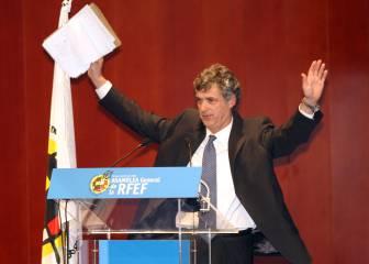 Villar es reelegido presidente de la RFEF un 24 de noviembre