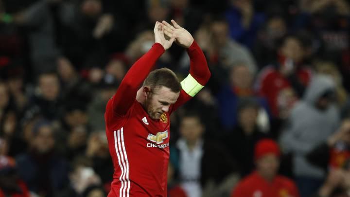 Rooney explota contra la prensa tras golear al Feyenoord