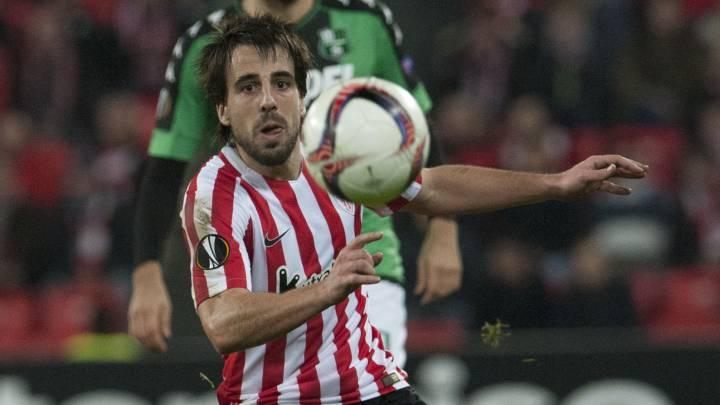Beñat durante el partido de Europa League entre Athletic y Sassuolo.