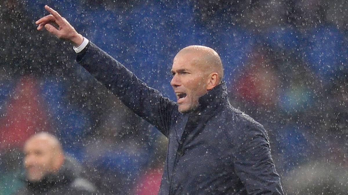 Real Madrid boo-boys turn on Benzema